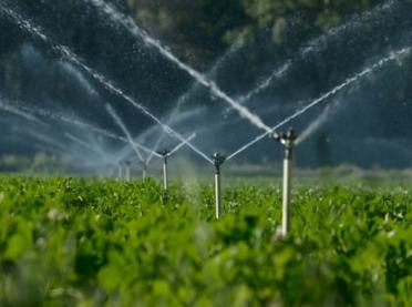 Nawadnianie w gospodarstwach rolnych - jak uzyskać wsparcie finansowe?