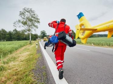 Tragiczny wypadek! Ciągnik przygniótł ojca i jego kilkuletniego syna