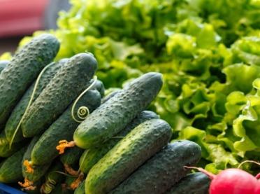 UOKiK: Skąd pochodzą supermarketowe ogórki i truskawki?