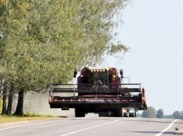 Maszyna rolnicza na drodze publicznej - co mówią przepisy?