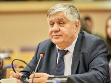 Minister Jurgiel krytykuje min. Ardanowskiego i radzi min. Pudzie